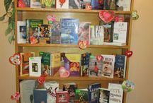 Книжкові виставки в бібліотеці / яскраві інноваційні виставки-інсталяції і т.і.