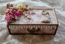 Altered vintage trinket box by Elena Cavalli