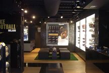 Nike - outlet / Negozi, showroom e outlet realizzati da Real contract - Shops, showroom and outlet realized by Real contract www.realsrl.it