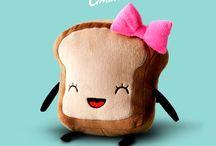Mrs. Little Bread Slice Plush / El amor viene en pares. Sra. Rebanadita de Pan. de venta acá en Kichink! http://bit.ly/1jMaMk9
