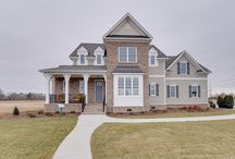 Lakehurst II / Beautiful tradition home with a modern twist and dual staircases