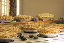 Pie, Pies, Pies! / Beautiful, delicious farm to table wedding (and other) pies.