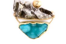 Baubles and Brooches / Fresh ideas on brooches