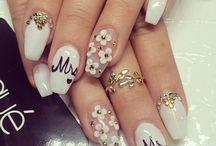 Wedding Nail Design / Nail art Inspiration for the big day!