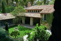 Courtyards to Inspire / There are places that are extensions of homes that just want to make you linger!