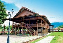 Fawzaan = Rumah Adat Sulawesi Selatan