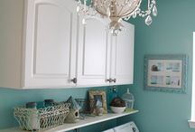 LAUNDRY ROOM DEC. IDEAS / by Shellie Denham