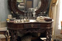 Antiques / Furniture