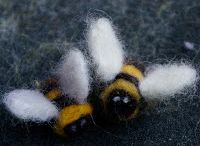 felted bee
