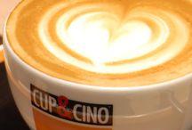 Kaffee-Akademie / Gewusst wie! Richtig Kaffee kochen will gelernt sein und ein echter Cappuccino ist ein wares Kunstwerk und Gemackserlebnis. Wie das geht und worauf es beim Kaffee kochen ankommt, lernen unsere Kunden in unserer Kaffee-Akademie.
