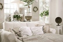 Cozy Spaces / The kind of rooms that you can snuggle in all day