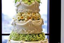 Cakes, cupcakes, cake pops, cookies, & pies! / by Amy Rafferty