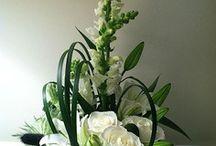Bloem steekschuim bedekking / Steekschuim bedekking.  Modern floral design