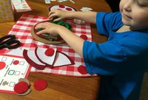 Pizzeria Pretend Play / How doesn't love pizza? Pretend play pizzeria is so much fun.