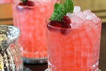 Cocktails & Mocktails / Whatever the event, you can make it delightful with unique beverage choices.