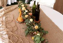 ЭКО-стиль / Композиция на гостевой стол,с плетеной гирляндой из орешника ,эвкалипта и пионовидных роз.