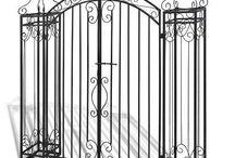 Entryway garden gate