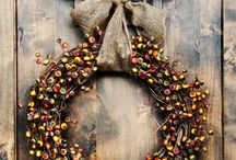 Wreaths/ Front Door Decorations / by Jennifer Reynolds