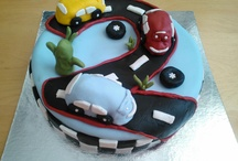 Cake Board / Personalised cakes made for friends and family members.