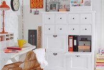 biblioteka półki szafki