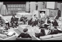 Star Wars / Com a estreia do sétimo episódio de Star Wars, relembramos algumas cenas icônicas dos filmes anteriores e imagens de set. Além de fotos já reveladas do novo O Despertar da Força. www.submarino.com/starwars