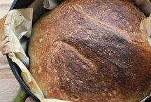 Food-breads / by Nancy Nieves