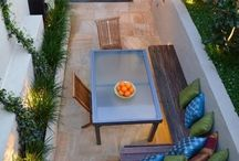 Courtyard gardens / Small gardens and courtyards
