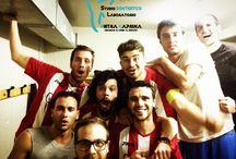St. Dentistico Pietra Caprina - Squadra di Calcio a 5 / Questa grande squadra dopo un campionato difficile e agguerrito si piazzata seconda, e quindi ai playoff! I playoff sono stati vinti!! e quindi promossi in serie A !!