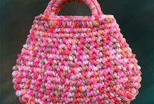 Crochet Bags - Gehaakte Tassen / by Joke Lindevrouw