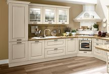 Laura classic kitchen by Gruppo Cucine