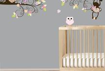 Monkey Bedroom / Budget-friendly decor ideas for a little girl's monkey themed bedroom.