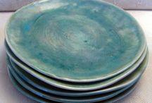 Terracotta plates turqoise