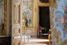 Pałace i wnętrza