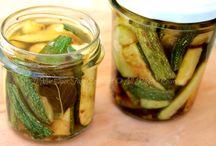 Zucchine marinate nei boccacci