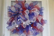 Mesh/Wreath / by Nancy De Los Santos