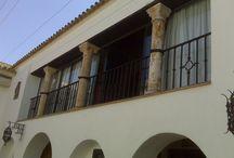 Rejas y cancelas / windows railings / Catálogo de trabajas en forja : rejas, cancelas y portones.