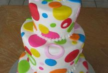 cakes / by M BAILEY