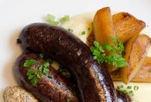 Les 10 plus beaux boudins noirs et foie gras / La Délicieuse Découverte de la semaine est au restaurant L'Échaudée, il s'agit du boudin noir et foie gras, mais voyez ce qui est proposé de par le monde!