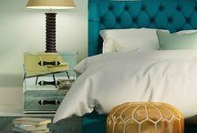 Color del año / Comienza un año y con él las ganas de renovar nuestro hogar. En este tablero encontrarás ideas para decorar cualquier espacio de tu hogar utilizando distintos tonos.