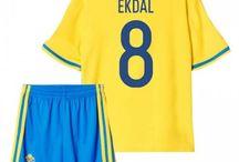 Billige Sverige fodboldtrøjer til børn / Køb billige Sverige fodboldtrøjer til børn online med oplag. Vi leverer nye Sverige billige fodboldsæt børn med lav pris og hurtig levering. Køb nu!