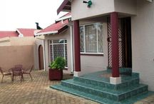 Excellent Buy in Grobler Park / Immaculate property for sale in lovely street - modern finishes throughout.   Manicured garden - you'll fall in love with this property.   An excellent buy!