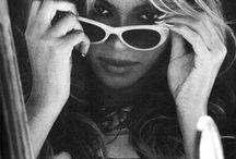 B e y o n c e / Beyonce
