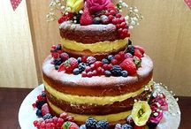 Naked cakes / Particular kind of cakes decorated with fruit or flowers