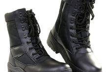Chaussure militaire