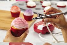 cake devorating brushing