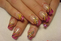 Nails, and more nails / by Jeannette Bonilla