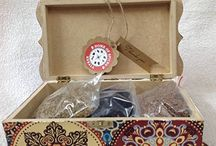 Spice box with spices
