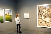 """Blick in die """"Über Wasser""""-Ausstellung / Werft einen Blick auf unsere aktuelle Ausstellung """"Über Wasser. Malerei und Photographie von William Turner bis Olafur Eliasson"""" (bis zum 20.9.2015 im Bucerius Kunst Forum)  http://tinyurl.com/hvje8ke"""