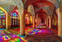 Stunning! / What a colorful world we live in...