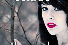 Il mondo di cenere - Jeaniene Frost / In un mondo di ombre, tutto è possibile, tranne sfuggire al proprio destino.